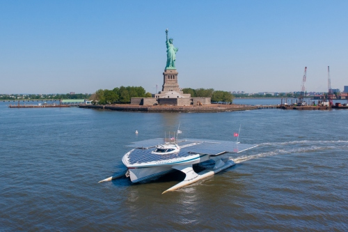 The world's largest solar boat sailed past New York's Statue of Liberty in June. © MS Tûranor PlanetSolar